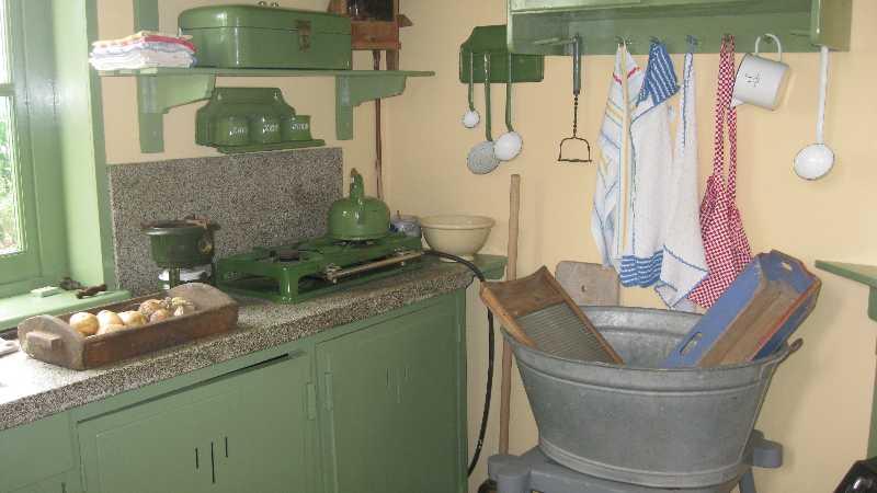 Einde Witte Keuken : 60 op bezoek bij de witte molen en noodwoning u2013 gemeentecentrum de